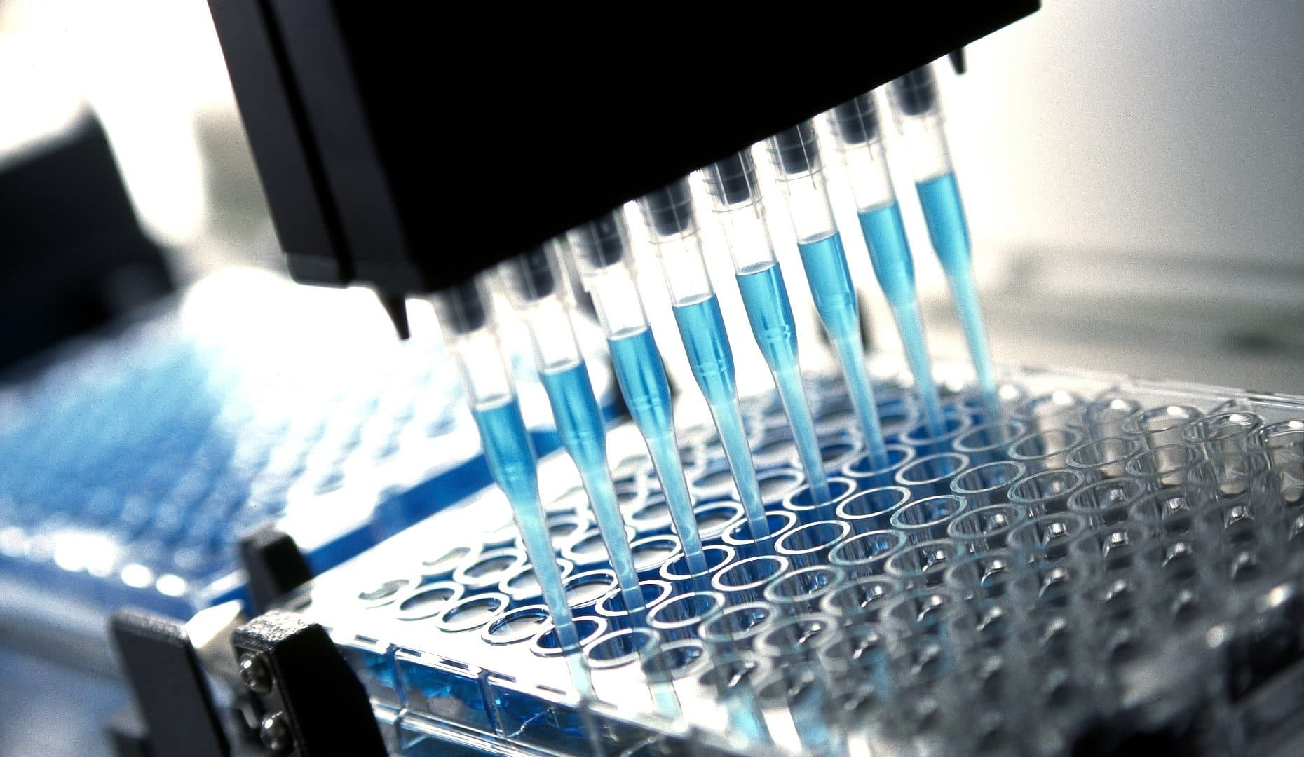 Micro válvulas Emerson en el punto de mira: Válvulas ASCO Micro Fluídicas en aplicaciones de diagnóstico clínico